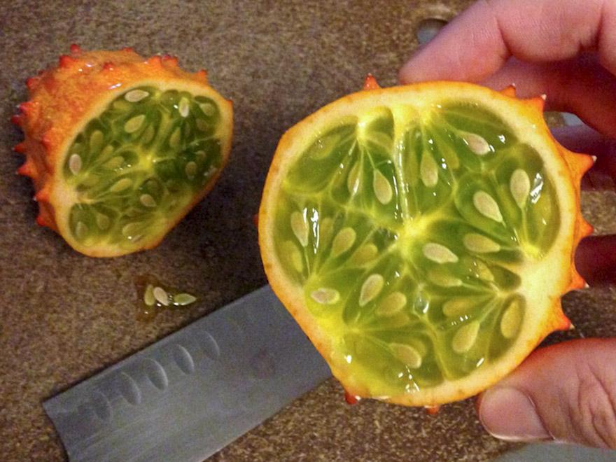 Raguotieji melionai kiwano