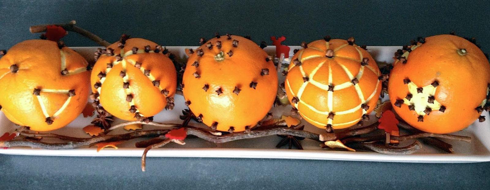 Apelsinų gvazdikėlių dekoracijos