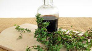 Vynas su prieskoniais ir vaistiniais augalais